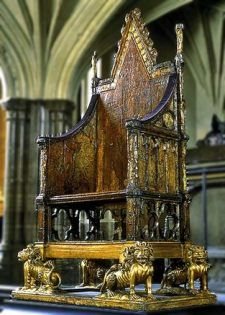 Forget-Me-Not Tudor Designs Page Liked · 4 hrs · The Crowning Chair in Westminster Abbey, every British King or Queen has been crowned in this chair since Public domain I would love to sit in this chair!oh the history. Tudor History, European History, British History, Asian History, Women's History, History Facts, Ancient History, Dinastia Tudor, Sightseeing London