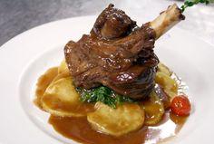 Buffets, Lamb Recipes, Marmite, Arabic Food, Food Plating, Pot Roast, Food Videos, Food And Drink, Yummy Food