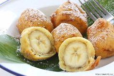 Банан в нежнейшем кляре из духовки похож на пончик. Хрустящая корочка и ароматное пюре внутри - очень вкусно!   Ингредиенты: большой спелый банан 1 штвиноград 5 крупных штукизюм 2 ст ложкитворог 100 г…