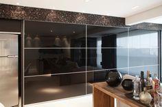 Cozinhas escondidas em armários/portas de correr - veja modelos lindos e dicas! - DecorSalteado