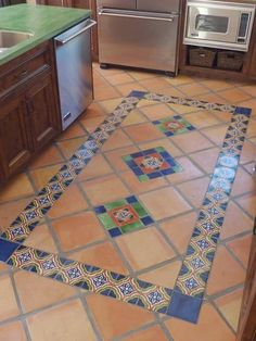 Mexican Tile Floor And Decor Ideas For Your Spanish Style Home - H. Mexican Tile Floor And Decor Ideas For Your Spanish Style Home – Home Decor Mediter Hacienda Style Homes, Spanish Style Homes, Spanish Revival, Spanish House, Spanish Colonial, Floor Design, Tile Design, Mexican Style Kitchens, Mediterranean Home Decor