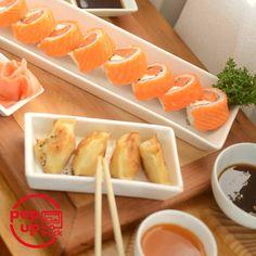 Fin de semana al fin! No hagan nada y nosotros les llevamos sushi Recuerda que si quieres pedidos para hoy debes enviarlo antes de las 19h Comenzamos con despachos a las 14h Encuentra nuestra carta en las historias destacadas te va a encantar #promos #bebidas #carta Programa tus pedidos con anticipación Todo con ingredientes 100% premium . . Despachos: #peñalolen #lareina #macul #ñuñoa #somospopuptruck #sushi #sushipremium #sushidelivery #sushipeñalolen #peñalolen #sushitime #sushilovers…