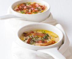Celerová polévka s tymiánem   Recepty Albert Cheeseburger Chowder, Food And Drink, Tasty, Cooking, Soups, Journey, Kitchen, Soup, The Journey