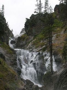Mystic Falls - Location Yellowstone National Park, Teton County, Wyoming USA Coordinates 44°29′03″N 110°52′26″W Type Cascade Total height 70 feet (21 m) Watercourse Little Firehole River