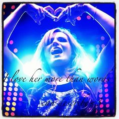 I love Bella Thorne more than words can describe❤