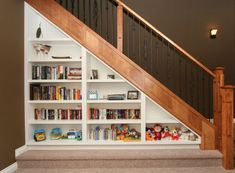 Barager - Shelving under stairs.jpg.1280x853max.standard.mri.jpg 1,157×853 pixels