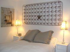 Wall art from old bed springs. Old Bed Springs, Mattress Springs, Bed Spring Crafts, Old Beds, Old Mattress, Diy Chandelier, Bed Frame, Repurposing, Wall Art
