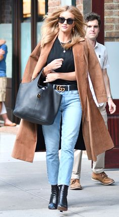 Rosie Huntington-Whiteley Style | 17 Celebrities with Killer Street Style | Fall outfit idea | Camel coat, mom jeans, and black ankle boots