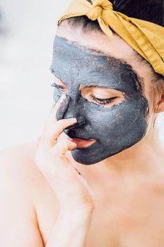 8 Detoxifying Charcoal Face Masks You Can Make at Home | Hello Glow #SugarScrubForFace Charcoal Face Mask Diy, Activated Charcoal Face Mask, Acne Face Mask, Clay Face Mask, Face Face, Skin Mask, Anti Aging Skin Care, Natural Skin Care, Natural Beauty
