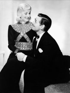 Norma Shearer & Clark Gable in Idiots a Delight Joseff of Hollywood jewelry. Golden Age Of Hollywood, Hollywood Glamour, Classic Hollywood, Old Hollywood, Hollywood Style, Norma Shearer, Popular Actresses, Actors & Actresses, Hollywood Jewelry