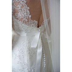 SnapWidget | Pukunin blogissa tämän puvun kurkistuskuvia. ✨ Ihanaa naistenpäivää!  #pukuni #turku #hääpuku #weddingdress #lacedress #sneakpeek
