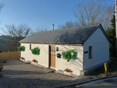 Holiday Cottage in St. Mawgan with beach/lake nearby and internet access Holidays In Cornwall, Shed, Internet, Cottage, Outdoor Structures, Beach, Lean To Shed, Cottages, Seaside