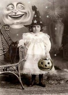 Lace, Pumpkins, Moon Face and Midnight the Cat - Antique Halloween Heaven for Children!