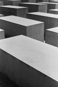 #statue #mahnmal #architecture #block #lines #geometry #city #concrete #berlin #germany #construction #noir #monochrome #nikonf #nikon #fm3a #istillshootfilm #filmisnotdead #bw #analog #analogue #35mm