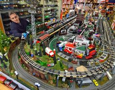 Day in the Life Train Store - Toy Train Emporium in Cherry Hill and owner Conrad Daniel Lionel Trains Layout, Lionel Train Sets, Diorama, Rc Hobby Store, Electric Train Sets, Third Rail, Hobby Trains, Model Train Layouts, Models