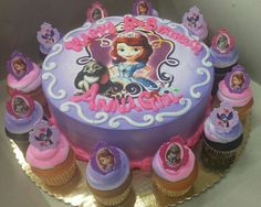 Sophia the First cake with cupcakes Sofia Birthday Cake, Sofia The First Birthday Party, 5th Birthday Party Ideas, 70th Birthday, Bolo Sofia, Sophia Cake, Sofia The First Cake, Pirate Ship Cakes, Princess Sofia Party