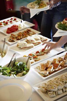 Aquí tienes una selección de aperitivos fáciles para fiestas de adultos con los que sorprenderás sin mucho trabajo y con ingredientes sencillos.