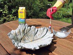 Dieses selbst gemachte Beton-Blatt kann als Vogeltränke oder Deko genutzt werden. Das DIY dazu ist extrem simpel.