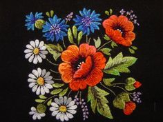 Tiina Saar - Estonian hand embroidery