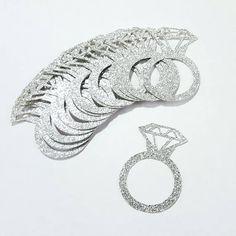 ¡Perfecto para bodas, despedidas, despedidas o aniversarios! Estas piezas de diamante anillo de bodas confeti son hechos a mano de primera calidad, alta calidad, cartulina brillo libre de ácido. Yo uso la cartulina de brillo más alta de calidad y no arrojará el brillo, como