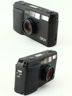 RICOH GR21