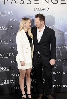 """Jennifer Lawrence and Chris Pratt attend the 'Passengers' photocall at Villamagna hotel on November 30, 2016 in Madrid, Spain. """