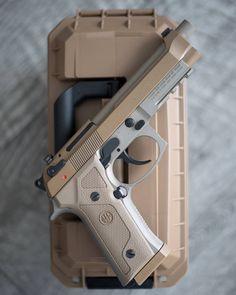 Beretta back in stock! Military Weapons, Weapons Guns, Guns And Ammo, Beretta 92, Armas Ninja, Shooting Guns, Custom Guns, Cool Guns, Tactical Gear