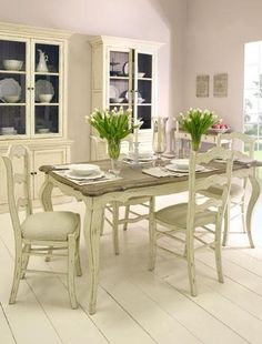 French- inspired dining room