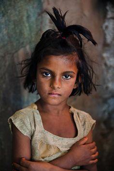 Children | © Steve McCurry.. @ivannairem https://tr.pinterest.com/ivannairem/children-of-the-world-l/