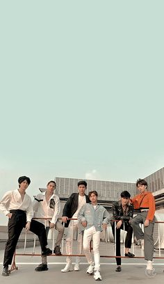 Dramas, Arte Cholo, Thailand Wallpaper, Gay Aesthetic, Boy Celebrities, Cute Gay Couples, Boyfriend Pictures, Cool Girl Pictures, Thai Drama