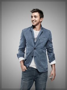 fernando muslera special edition - Daily Sports News & Live Stream Fotball Channel Soccer News, Sports News, Denim Button Up, Button Up Shirts, Football Players, Pretty People, Suit Jacket, Blazer, Channel