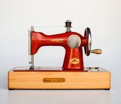Vintage Children's Sewing Machine Toy / USSR Nostalgia / Russian Toy