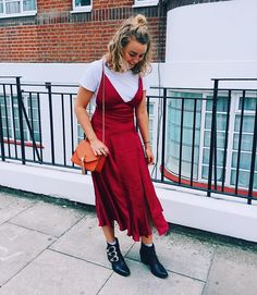 Slip dress + basic white tees are the must-wear outfit for fall.