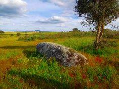 A Letra de um Alentejo: Bom Dia Alentejo, Nisa, Menhir do Patalou, o compadre que lá se levantou