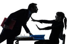 آزار جنسی در محیط کار میتواند برای همهی زنان شاغل در سطوح مختلف شغلی و اجتماعی روی دهد.    Source: کارگاه خبر ژوپیآ