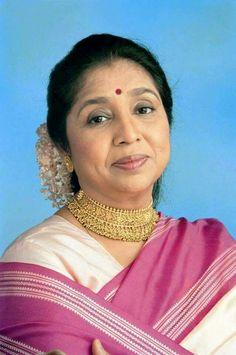 Asha Bhosle Bollywood Photos, Indian Bollywood Actress, Bollywood Stars, Indian Actresses, Top Celebrities, Indian Celebrities, Celebs, Akshay Kumar Style, Old Film Stars