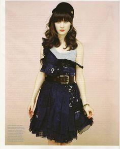 Love Zooey Deschanel's dress! :)