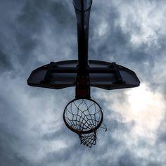 breakin' thru #hoops #basketball . . . . #playground #doinitinthepark #SLAMhoops #franchisemagazine #hypecourts #hoopsoftheworld #courtsoftheworld #basketballdiaries #shootinghoops #heavenisaplayground #streetball #ballislife #urbanbasketball #basketballneverstops #northsidepride  #megacitybasketball #toronto #tdot #canada #the6ix