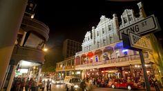 Nachtleben Kapstadt Rand und Band Nightlife, Times Square, Broadway Shows, Street View, Band, Cape Town, Sash, Ribbon, Bands
