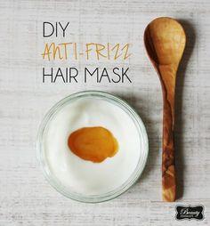 Trocken, spröde. Zu Berge stehend beiFeuchtigkeit. Statischbeim Kämmen. Wenn dies Attribute sind, die deine Haare beschreiben, dann habe ich heute genau das Richtige für dich. Wetten, dass diese Haarmaske dein neuer Liebling wird! Die meisten Anti-Frizz Masken basieren auf Öl,…