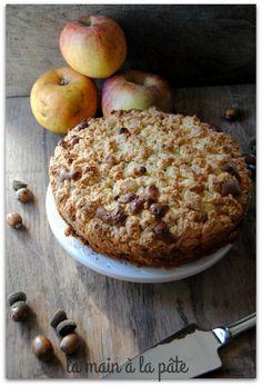 German cake with apples Vegan Fruit Cake, Rum Fruit Cake, Chocolate Fruit Cake, Fresh Fruit Cake, Homemade Cake Recipes, Apple Recipes, Sweet Recipes, Fruit Cake Design, German Cake
