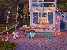 Easy tips and tricks to make your next camping trip a little more glamorous. Ready to go glamping? Outdoor Spaces, Outdoor Living, Outdoor Decor, Party Outdoor, Outdoor Entertaining, Outdoor Ideas, Decoration Entree, Camping Glamping, Retro Camping