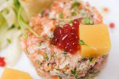 Tartar z lososa (Ocean48), crostini, fenyklový salát  + www.morgal.cz/aktualni-nabidka-jidel