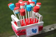 of July Marshmallow Pops are a sweet and easy no bake red, white and blue treat to make this summer! Easy party dessert recipe with printable tags. Decorated Marshmallows, Cute Marshmallows, 4th Of July Party, Fourth Of July, State Fair Party, Yummy Treats, Sweet Treats, Marshmallow Treats, Almond Bark