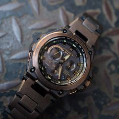 G-Shock Distressed Rose Gold Retro Watches, G Shock Watches, Gents Watches, Cool Watches, Man Watches, Most Beautiful Watches, Watch Master, Swatch, Gold Chains For Men