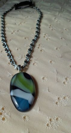 Collier en Verre Fusion by CreationJolimain on Etsy, $35.00