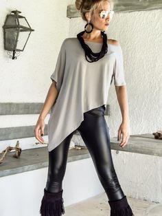 Silver Gray Asymmetric Top Blouse / Gray Loose от SynthiaCouture
