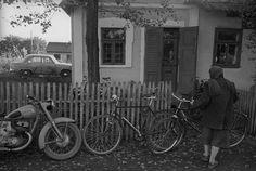 В селе, 1960 г., Украинская ССР, Черновицкая обл. Bicycle, Bicycle Kick, Bike, Bmx, Cruiser Bicycle