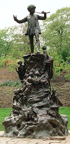 The bronze statue of Peter Pan in Kensington Gardens, next to Hyde Park, London, UK Oh The Places You'll Go, Places To Travel, Places To Visit, Hyde Park, Kensington Gardens, Statues, Books Art, Jm Barrie, England And Scotland