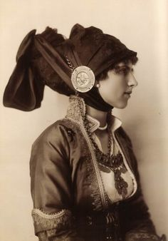 Princess Helena of Greece (later queen of Romania) in a traditional greek costume. Romanian Royal Family, Greek Royal Family, Greek Royalty, Grand Duchess Olga, Vintage Photos Women, Royal Clothing, Queen Mother, Alexander The Great, Royal Weddings